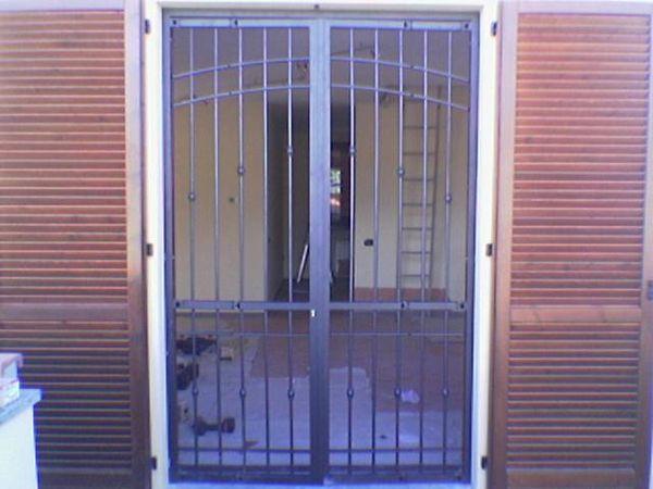 Dremar scale e serramenti soppalchi infissi cancelli porte for Immagini inferriate per finestre